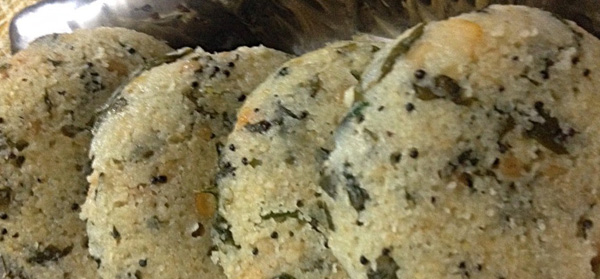 Oats, Rava and Palak Idli