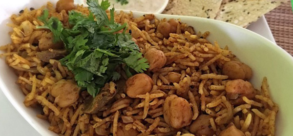 Aam Achaar Chole Rice