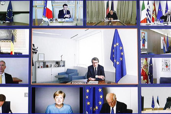 यूरोपीय संसद के अध्यक्ष, डेविड सासोली, आज ब्रसेल्स में वीडियो कॉन्फ्रेंस यूरोपीय शिखर सम्मेलन की बैठक में हस्तक्षेप करते हैं।
