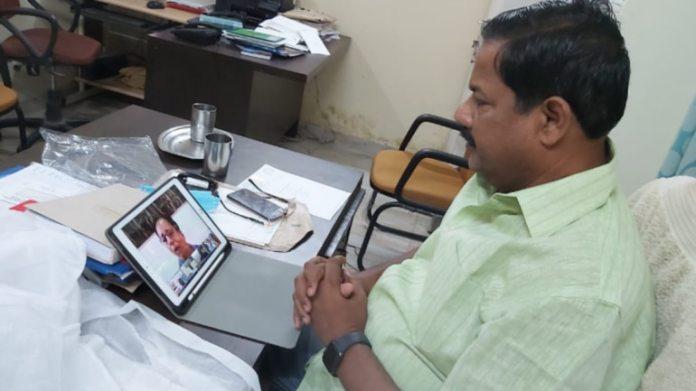 सांसद अजय निषाद की फाइल फोटो