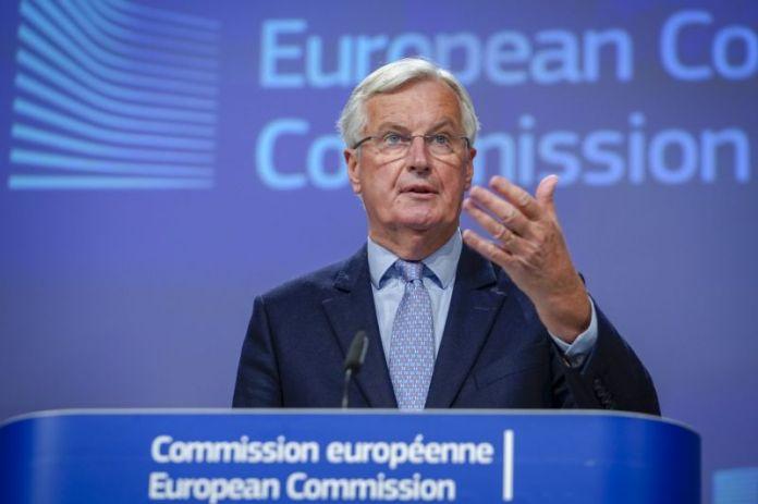 ब्रूसेल्स, बेल्जियम - जून 05: मिशेल बार्नियर, यूरोप के मुख्य वार्ताकार, 5 जून, 2020 को ब्रुसेल्स, बेल्जियम में चौथे दौर के ब्रेक्सिट वार्ता के संबंध में एक संवाददाता सम्मेलन में भाग लेते हैं। इस सप्ताह की चर्चाएँ जो एक शिखर सम्मेलन से पहले ऑनलाइन आयोजित की गई थीं, इस महीने के अंत में होने की उम्मीद है, जिसमें प्रधान मंत्री बोरिस जॉनसन और यूरोपीय आयोग के अध्यक्ष, उर्सुला वॉन डेर लेयन शामिल हैं। ब्रिटेन के पास जून के अंत तक वर्तमान संक्रमण काल के विस्तार के लिए कहने के लिए है, जिसके दौरान देश एकल बाजार और सीमा शुल्क संघ में रहता है, लेकिन श्री जॉनसन ने इस पर शासन किया है। (दैना ले लार्डिक द्वारा फोटो - पूल / गेटी इमेजेज)