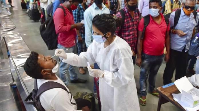 भारत की दैनिक कोविद टैली लगभग 90,000 नए मामलों के साथ छह महीने के उच्च स्तर को छूती है