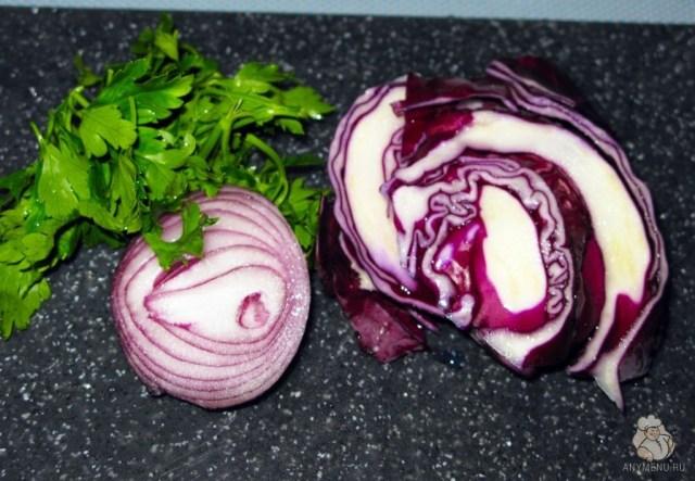 Салат из краснокочанной капусты с кукурузой (4)