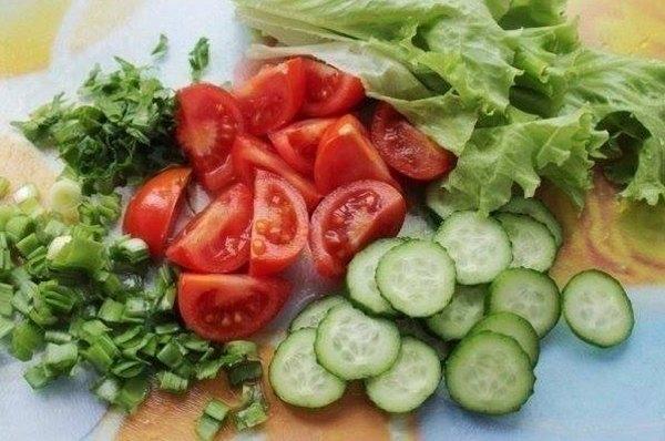 Салат из курицы и свежих овощей2