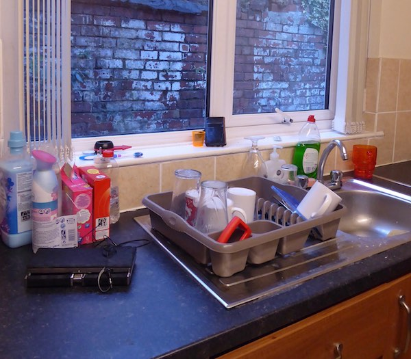 kitchen sink uni student accommodation