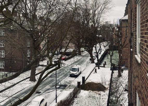 life on London street