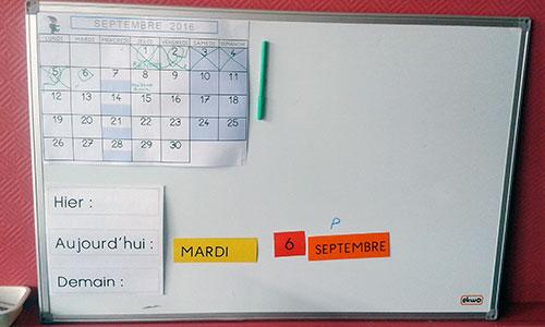 Affichage de la date - étiquettes et calendrier mensuel