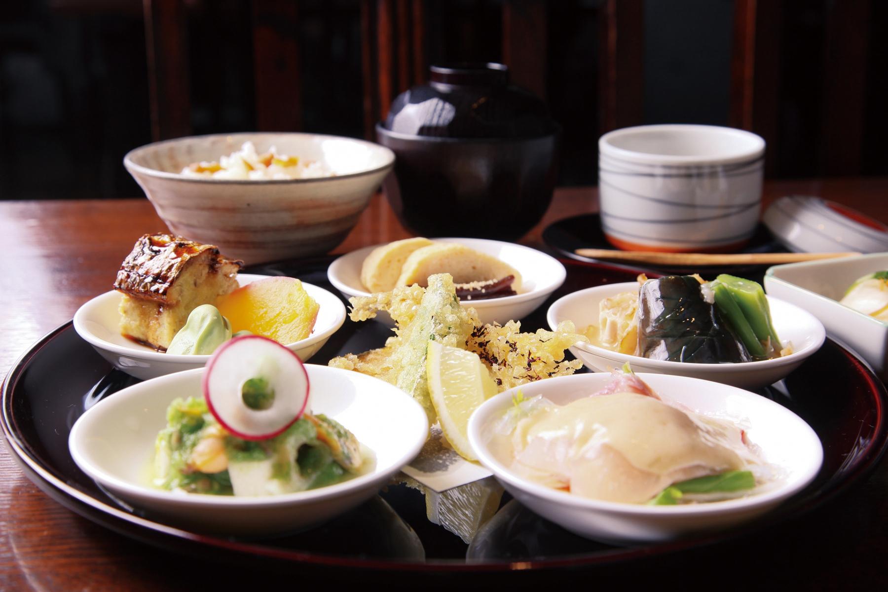 健康的な食事のイメージ写真