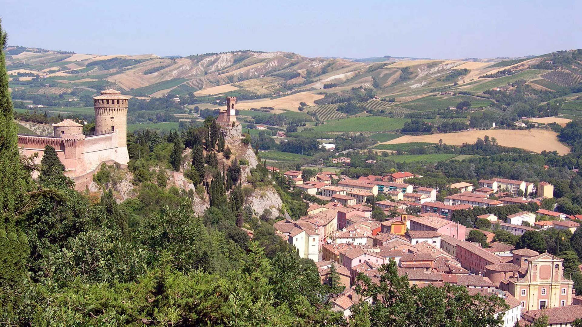 ボローニャ大学での特別講義と、イタリアの最も美しい村研修+ローマ2泊プラン