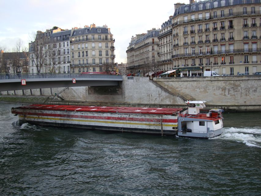 https://i1.wp.com/www.aparisguide.com/seine/Paris-riverseine8.jpg