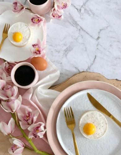 Panna Cotta en forme d'œufs au plat (Panna Cotta Fried Egg Tarts)