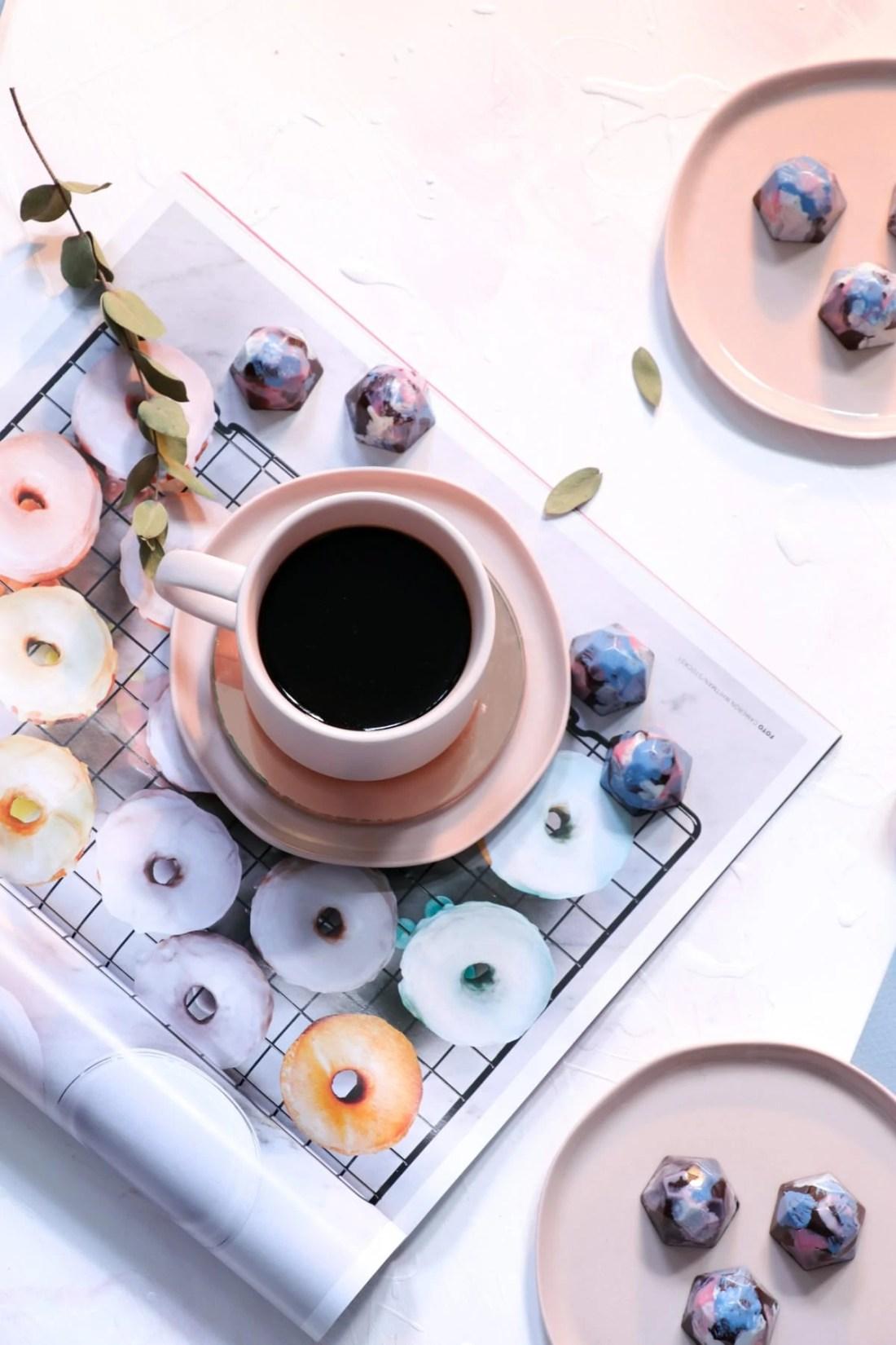 Chocolats maison Vanille-Framboises (Vanilla and Raspberry Homemade Chocolates)
