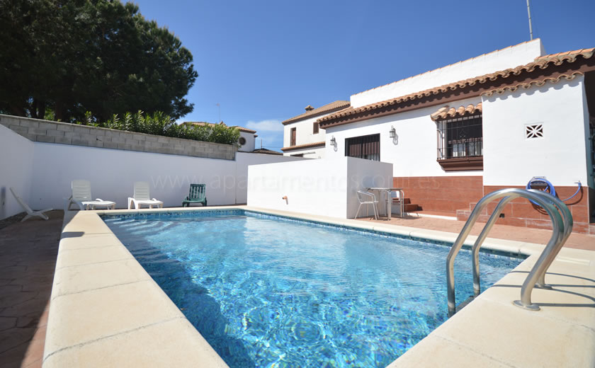Amplio apartamento con piscina compartida, hacienda roche viejo · conil de la frontera, roche viejo. Casa rural en Conil con piscina | Apartamentos Conil
