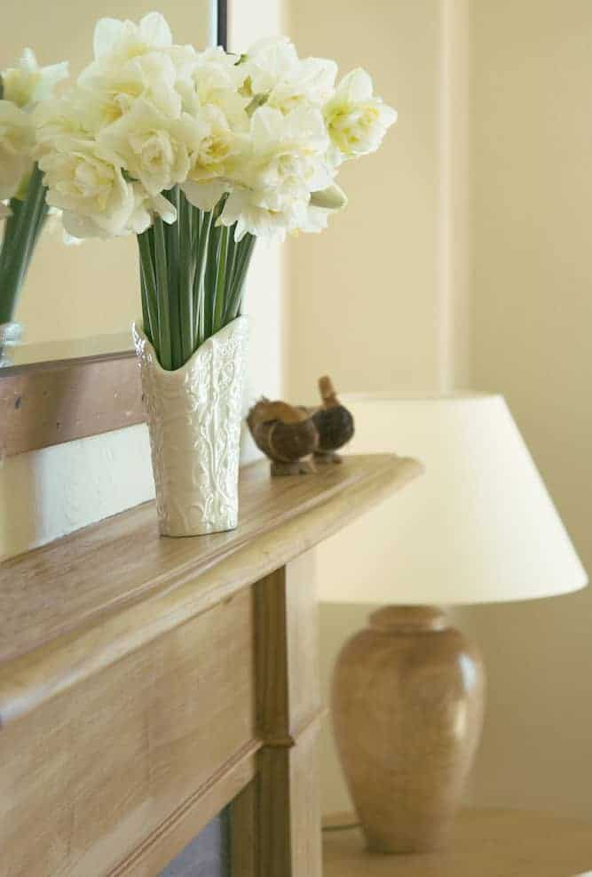 Small Apartment Decor A Guide to Decorating With Mirrors - Know What You're Reflecting