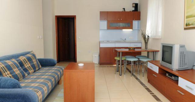 Apartment 1 (A-4+2)