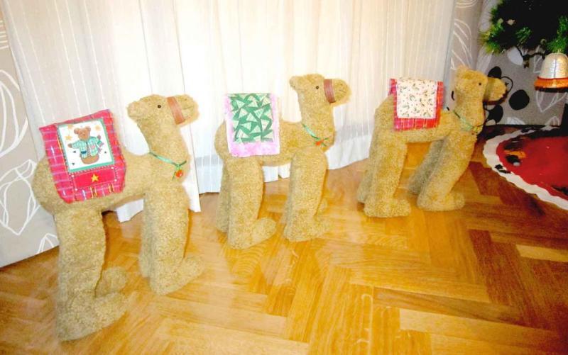 como hacer camellos en tela