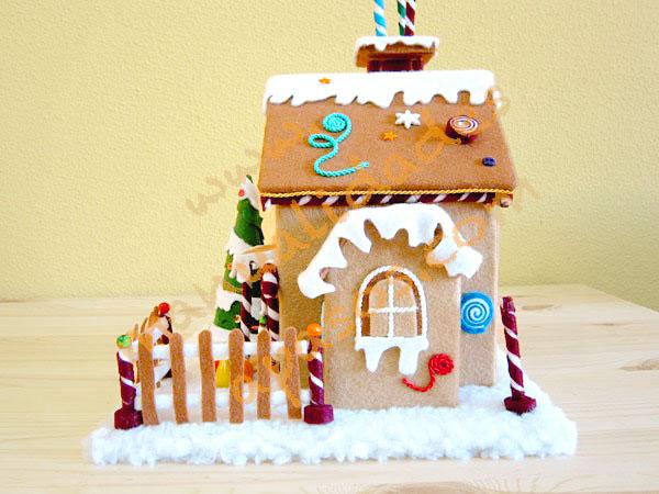 como hacer casa de navidad con fieltro
