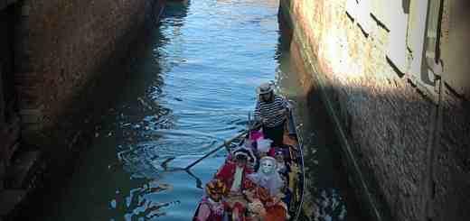 carnevale in barca