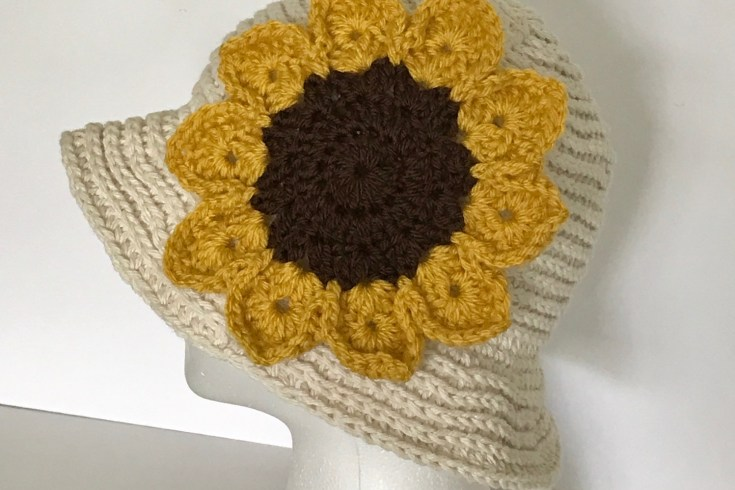Crochet Summer Hat with Sunflower, Free Crochet Pattern
