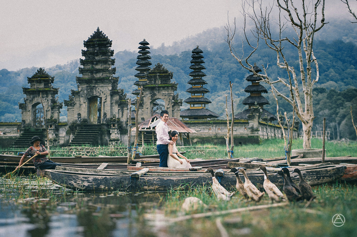 Apel Photography - Prewedding Photographers - Tamblingan Lake - Engagement Photography - Bali Photo Services - Wedding Photographers (11)
