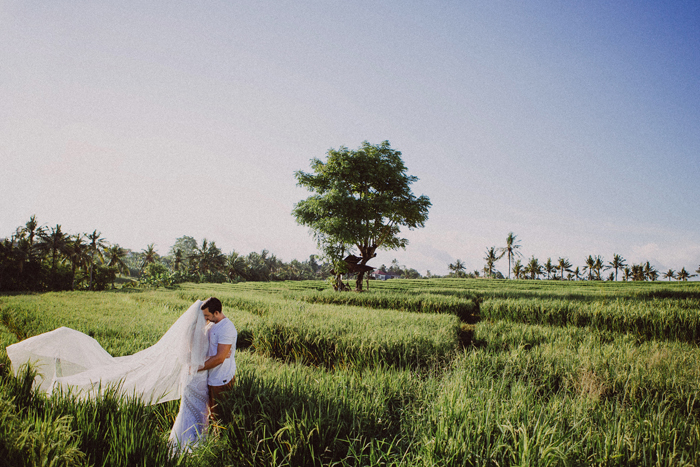 apelphotography - baliphotographers - weddingphotographers - honeymoonphotoinbali - postweddinginbali - baliweddingphotography (7)