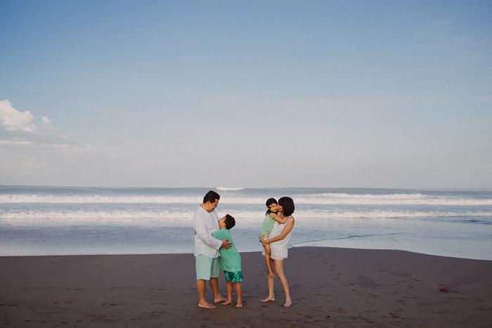 Familyphotography - familyportrait - baliphotography - baliphotographers - familyphoto (14)