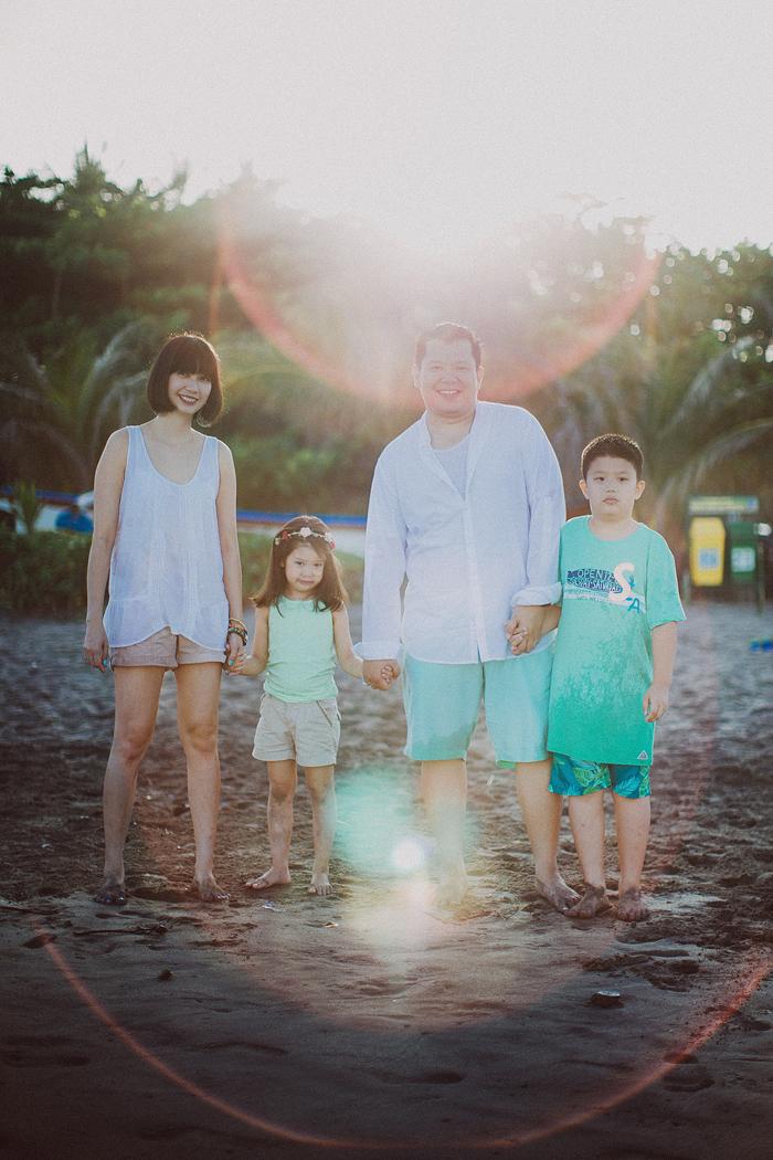 Familyphotography - familyportrait - baliphotography - baliphotographers - familyphoto (27)