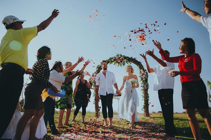 Apelphotography-NewKutaGolfWedding-Baliwedding-Bestweddingphotographers-Pandeheryana-BaliBeachWedding (39)