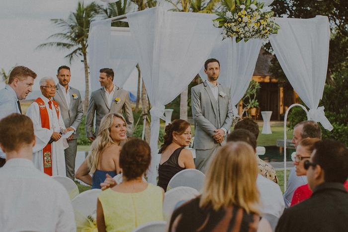 Pandeheryana_baliweddingphotography-baliwedding-photographersinbali-weddingatJeevaSaba-lombokweddingphoto-lembonganweddingphoto-nusapenida-bestweddingphotographers_40