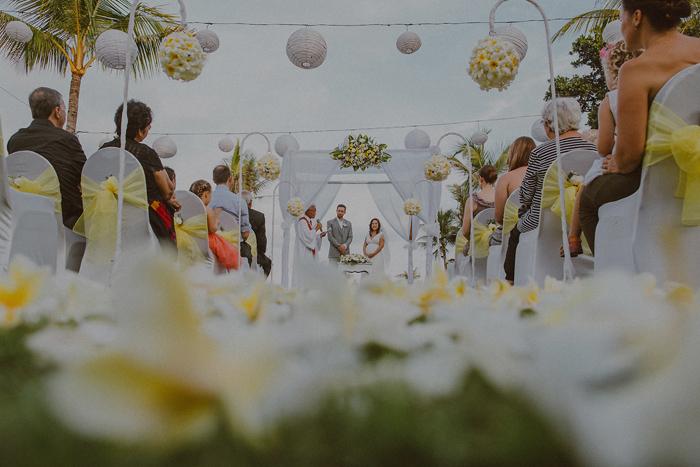 Pandeheryana_baliweddingphotography-baliwedding-photographersinbali-weddingatJeevaSaba-lombokweddingphoto-lembonganweddingphoto-nusapenida-bestweddingphotographers_45