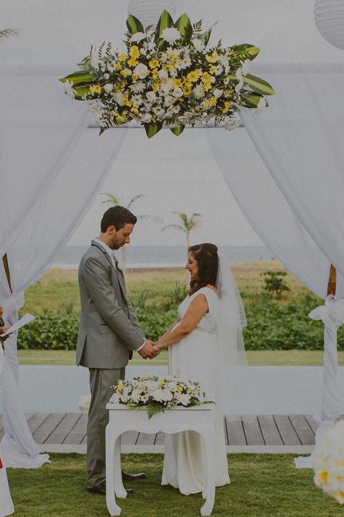 Pandeheryana_baliweddingphotography-baliwedding-photographersinbali-weddingatJeevaSaba-lombokweddingphoto-lembonganweddingphoto-nusapenida-bestweddingphotographers_47