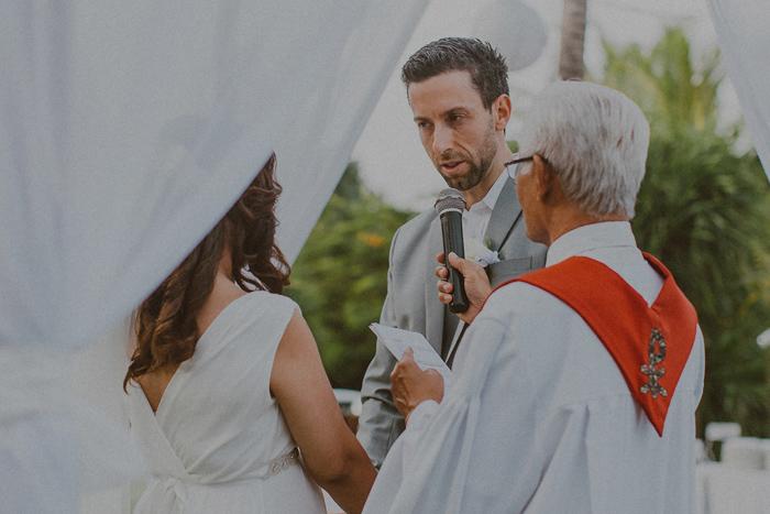 Pandeheryana_baliweddingphotography-baliwedding-photographersinbali-weddingatJeevaSaba-lombokweddingphoto-lembonganweddingphoto-nusapenida-bestweddingphotographers_49