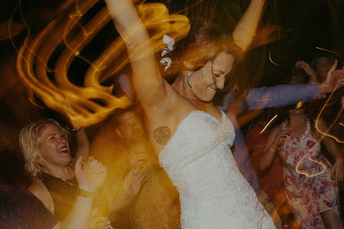 apelphotography-astonbaliwedding-weddingphotographers-baliweddingphotography-destinationwedding-lembonganwedding-lombokweddingphoto-bestweddingphotographersinbali-pandeheryana_110