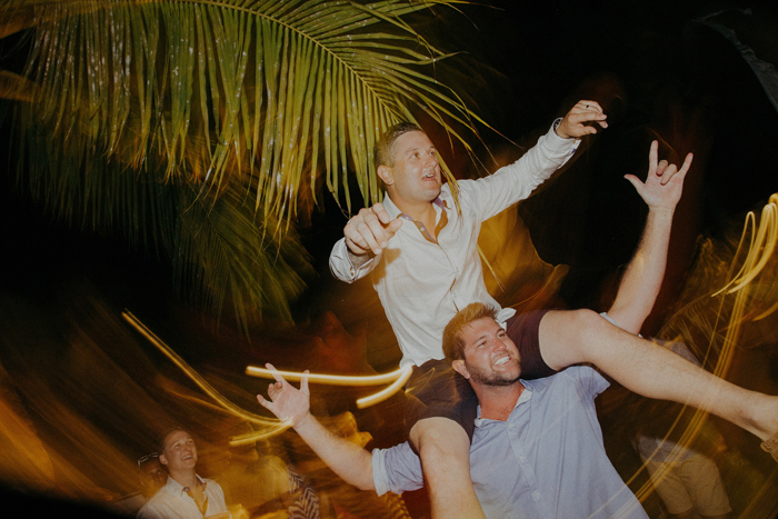 apelphotography-astonbaliwedding-weddingphotographers-baliweddingphotography-destinationwedding-lembonganwedding-lombokweddingphoto-bestweddingphotographersinbali-pandeheryana_1118