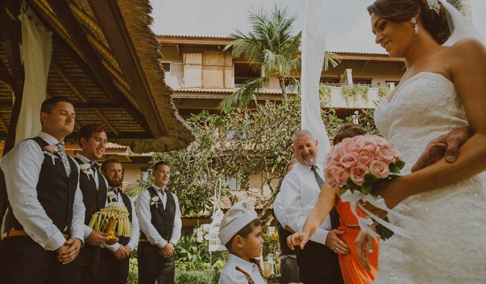 apelphotography-astonbaliwedding-weddingphotographers-baliweddingphotography-destinationwedding-lembonganwedding-lombokweddingphoto-bestweddingphotographersinbali-pandeheryana_44