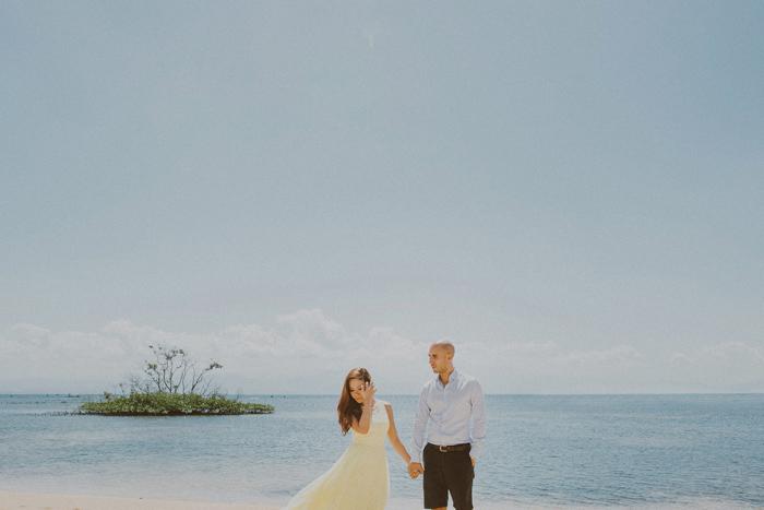 baliphotographers-baliweddingphoto-apelphotography-lembonganweddingphotography-lombokphotoswedding-engagement-preweddinginbali-pandeheryana_17_
