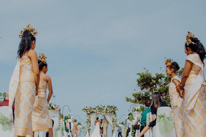 baliweddingphotography-kayumanisnusaduawedding-apelphotography-lembonganwedding-lombokweddingphotography-pandeheryana-bestweddingphotographers_73
