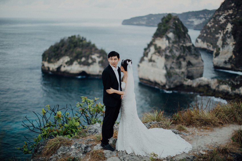 baliweddingphotography-preweddinginnusapenidaisland-lembonganprewedding-lombokweddingphotography-pandeheryana-bestweddingphotography_nusapenidaprewedding-nusapenidahotels-37