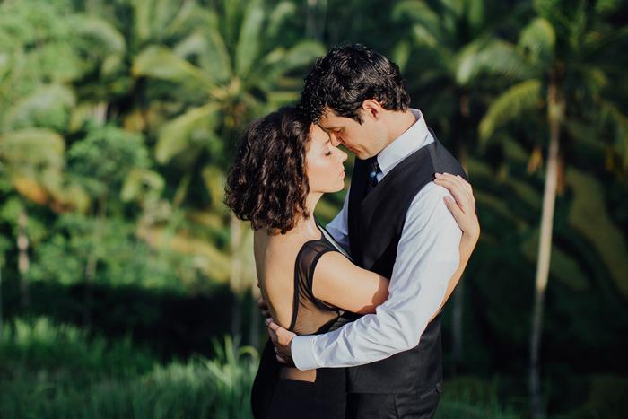 baliweddingphotographers-pandeheryana-bestbaliphotographers-weddinginbali-preweddinginbali-engagementphotography-vscofilmpreset-lombokweddingphotography_32