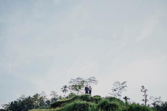 baliweddingphotographers-pandeheryana-bestbaliphotographers-weddinginbali-preweddinginbali-engagementphotography-vscofilmpreset-lombokweddingphotography_37