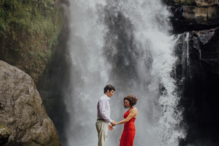 baliweddingphotographers-pandeheryana-bestbaliphotographers-weddinginbali-preweddinginbali-engagementphotography-vscofilmpreset-lombokweddingphotography_62