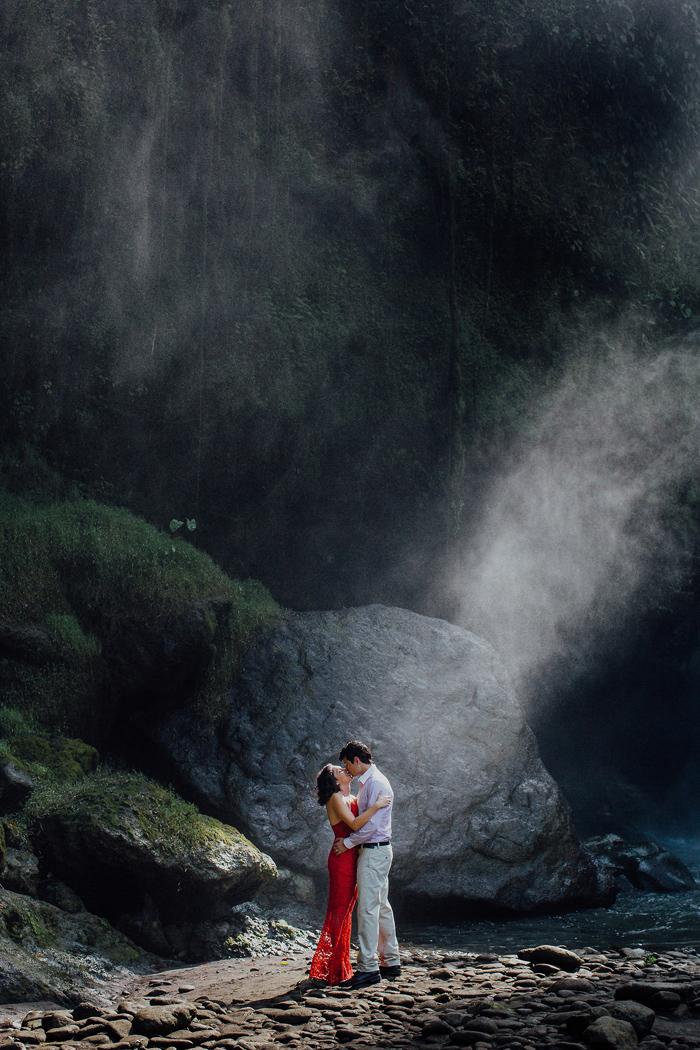 baliweddingphotographers-pandeheryana-bestbaliphotographers-weddinginbali-preweddinginbali-engagementphotography-vscofilmpreset-lombokweddingphotography_69