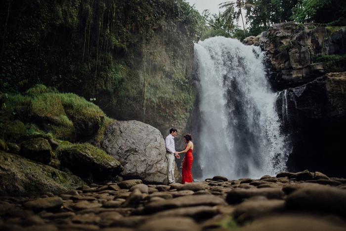 baliweddingphotographers-pandeheryana-bestbaliphotographers-weddinginbali-preweddinginbali-engagementphotography-vscofilmpreset-lombokweddingphotography_74