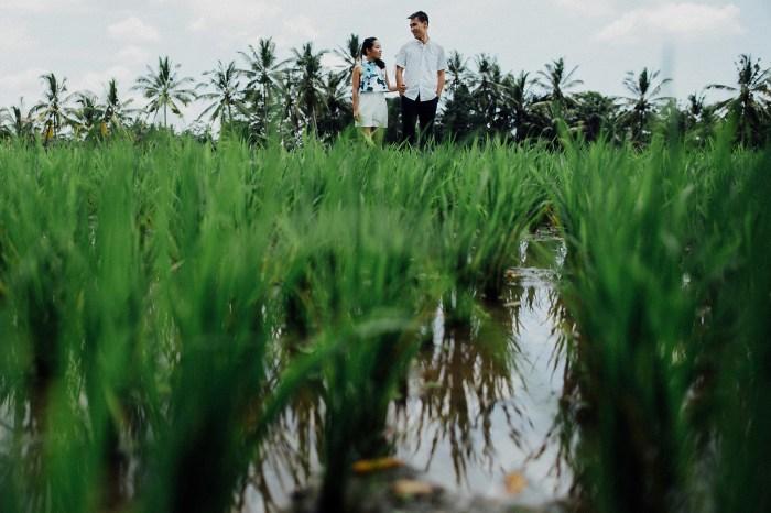 baliweddingphotography-balibasedweddingphotographers-apelphotography-pandeheryana-baturmountprewedding-bestweddingphotographers-9