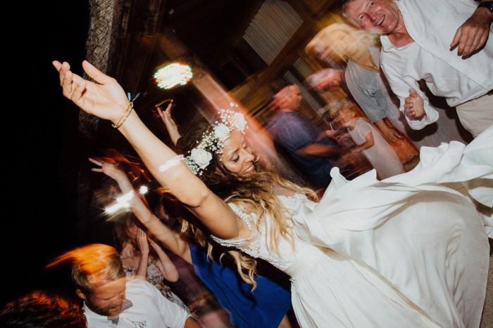 baliphotography-baliweddingphotographers-uluwatusurfvillawedding-lembonganwedding-lombokweddingphotography-pandeheryana_103