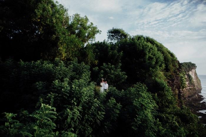 baliphotography-baliweddingphotographers-uluwatusurfvillawedding-lembonganwedding-lombokweddingphotography-pandeheryana_78