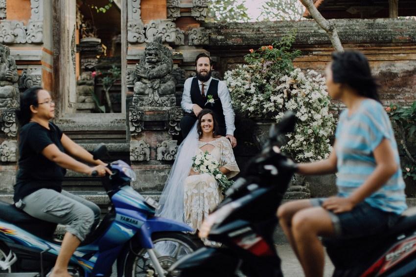 baliweddingphotographers-bambuindahresortubud-weddinginbali-weddingphotography-pandeheryana-bestweddingphotography-lombokweddingphoto-lembonganwedding-topweddingphotographersinbali-15