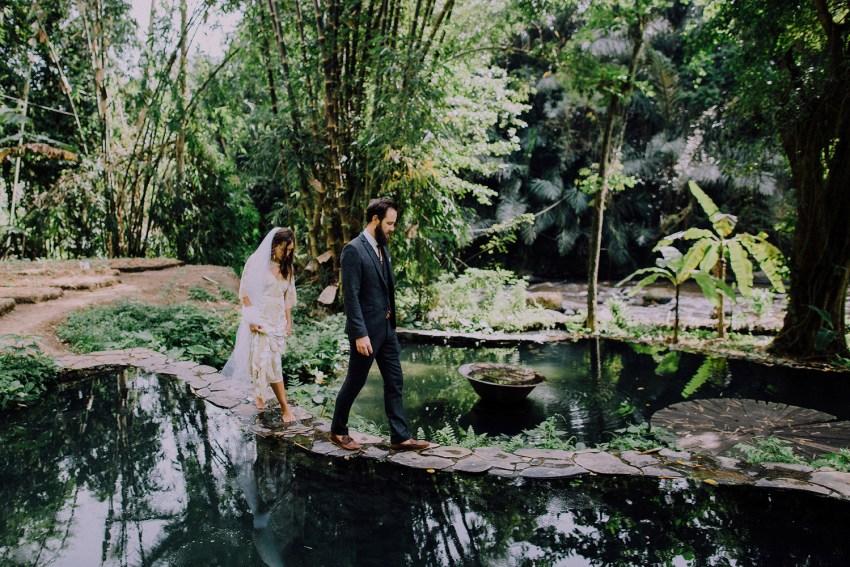 baliweddingphotographers-bambuindahresortubud-weddinginbali-weddingphotography-pandeheryana-bestweddingphotography-lombokweddingphoto-lembonganwedding-topweddingphotographersinbali-44