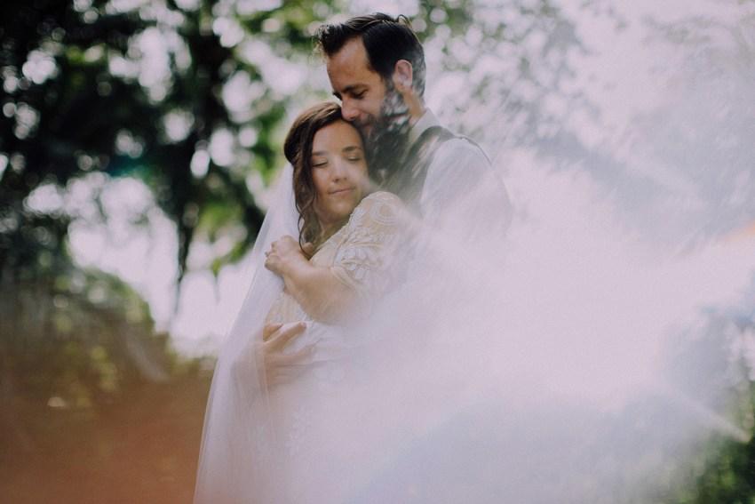 baliweddingphotographers-bambuindahresortubud-weddinginbali-weddingphotography-pandeheryana-bestweddingphotography-lombokweddingphoto-lembonganwedding-topweddingphotographersinbali-45