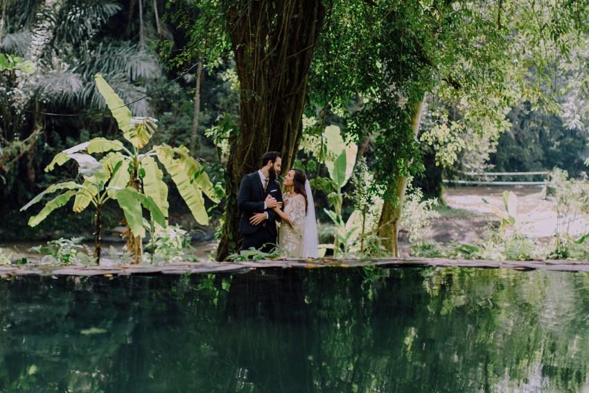 baliweddingphotographers-bambuindahresortubud-weddinginbali-weddingphotography-pandeheryana-bestweddingphotography-lombokweddingphoto-lembonganwedding-topweddingphotographersinbali-49